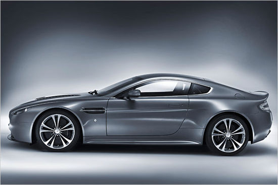 Name: Aston21.jpg Größe: 630x420 Dateigröße: 34545 Bytes