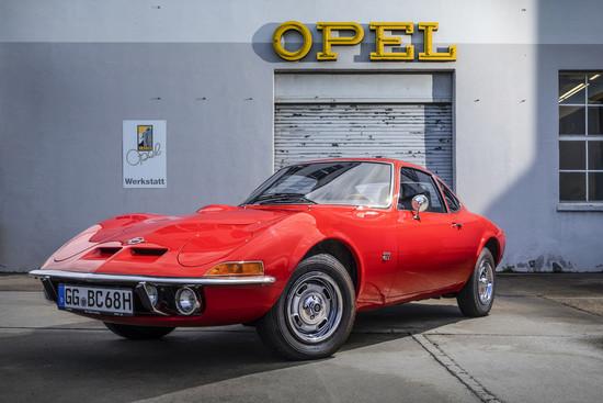 Youngtimer + Oldtimer - Opel GT und Opel Corsa GSi sind Klassiker des Jahres