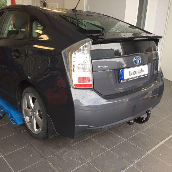 Name: Toyota_Prius_III_03.jpg Größe: 1920x1920 Dateigröße: 552514 Bytes
