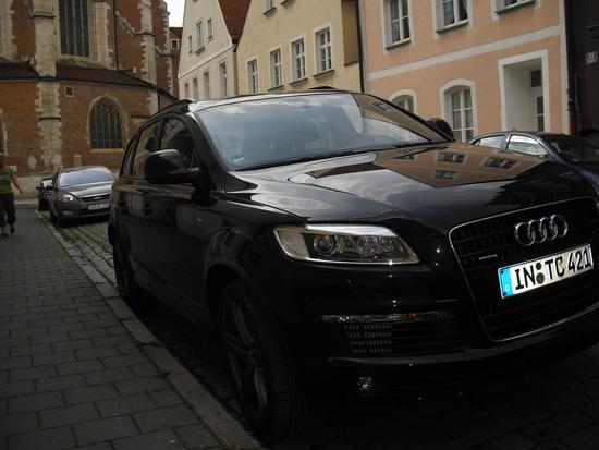 Name: Audi_Q7_meiner_2.JPG Größe: 1600x1200 Dateigröße: 976274 Bytes
