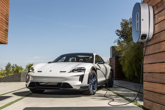 Elektro + Hybrid Antrieb - Porsche startet mit flexibler Produktionslinie ins E-Zeitalter