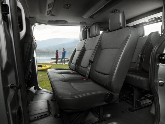 Name: New_NV300_Combi_Interior_Rear_seats_1-1200x900.jpg Größe: 1200x900 Dateigröße: 679702 Bytes