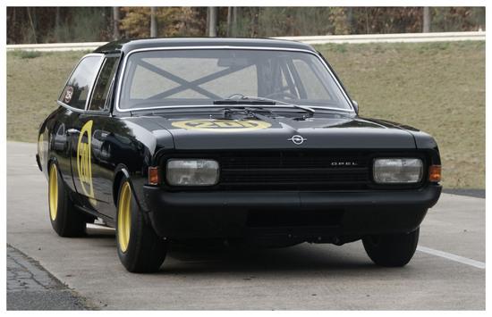 Name: Opel_Rekord_C_Schwarze_Witwe.JPG Größe: 2362x1525 Dateigröße: 419166 Bytes