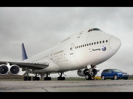 Name: 2007-Volkswagen-Touareg-tows-Boeing-747-Front-And-Side-1920x1440.jpg Größe: 1920x1440 Dateigröße: 406584 Bytes