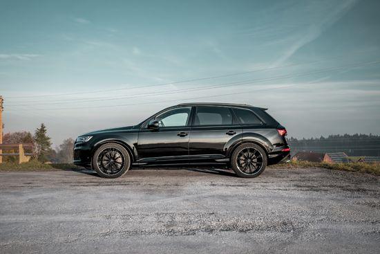 Name: Audi_SQ7_Facelift_GR22_schwarz-5.jpg Größe: 1920x1281 Dateigröße: 345605 Bytes