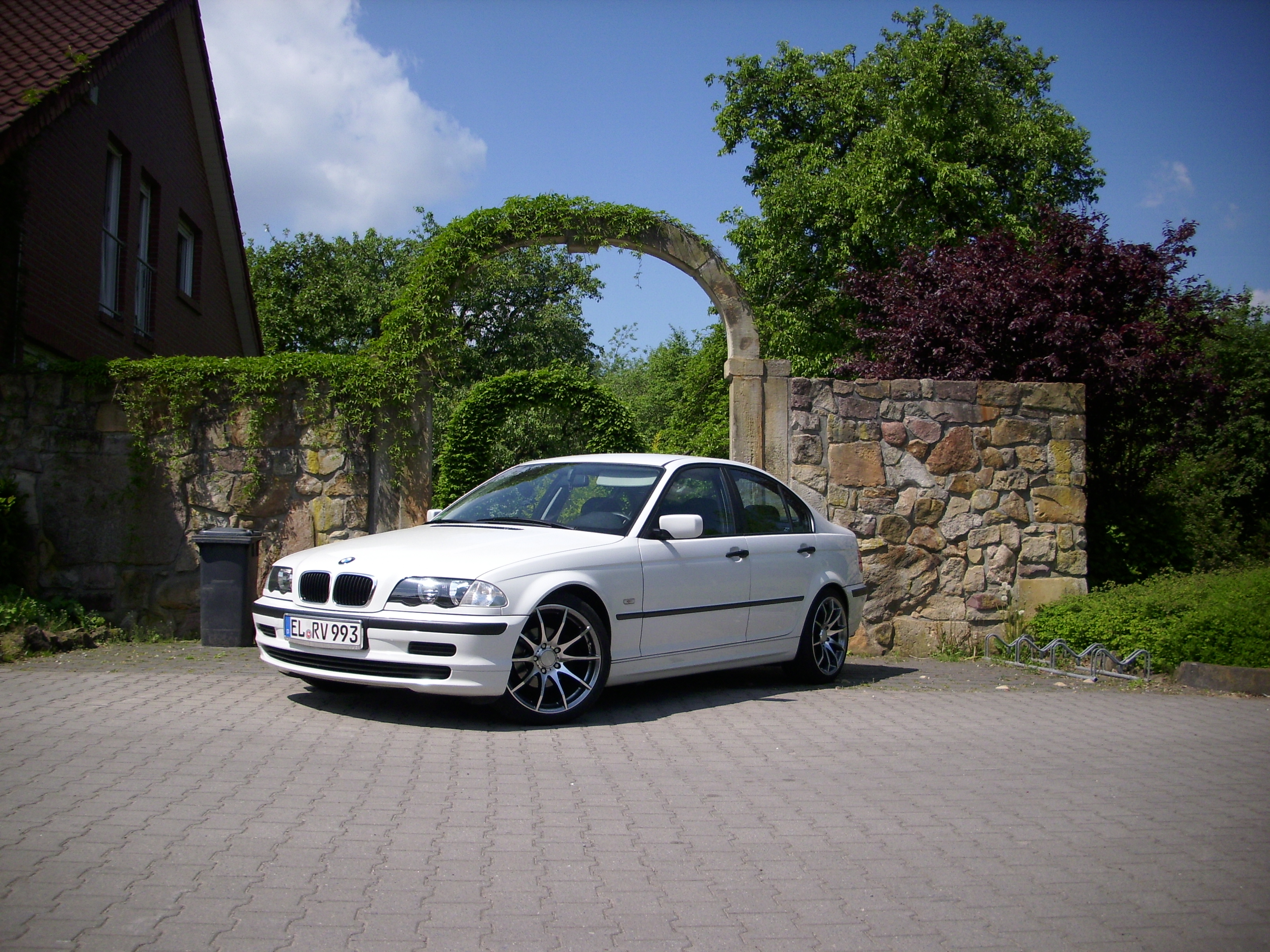 bmw e46 alpinweiss iii 3er bmw e46 limousine. Black Bedroom Furniture Sets. Home Design Ideas