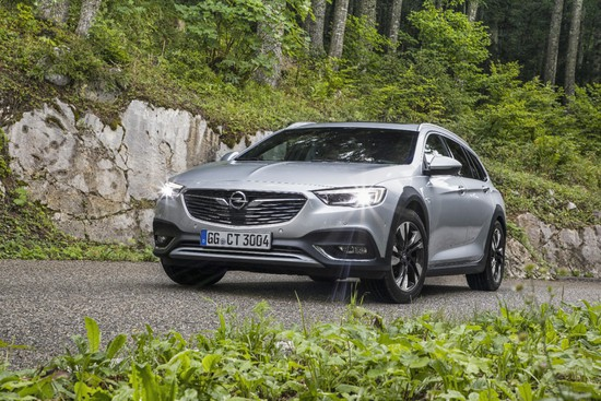 Name: Opel-Insignia-Country-Tourer-500152.jpg Größe: 1280x853 Dateigröße: 482670 Bytes