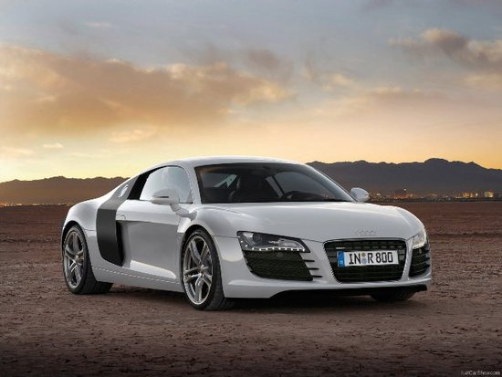 Name: Audi-R8_web.jpg Größe: 640x480 Dateigröße: 52271 Bytes
