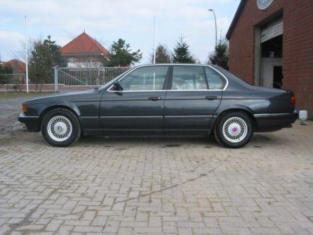 Name: BMW-730i_E324.jpg Größe: 450x337 Dateigröße: 32861 Bytes