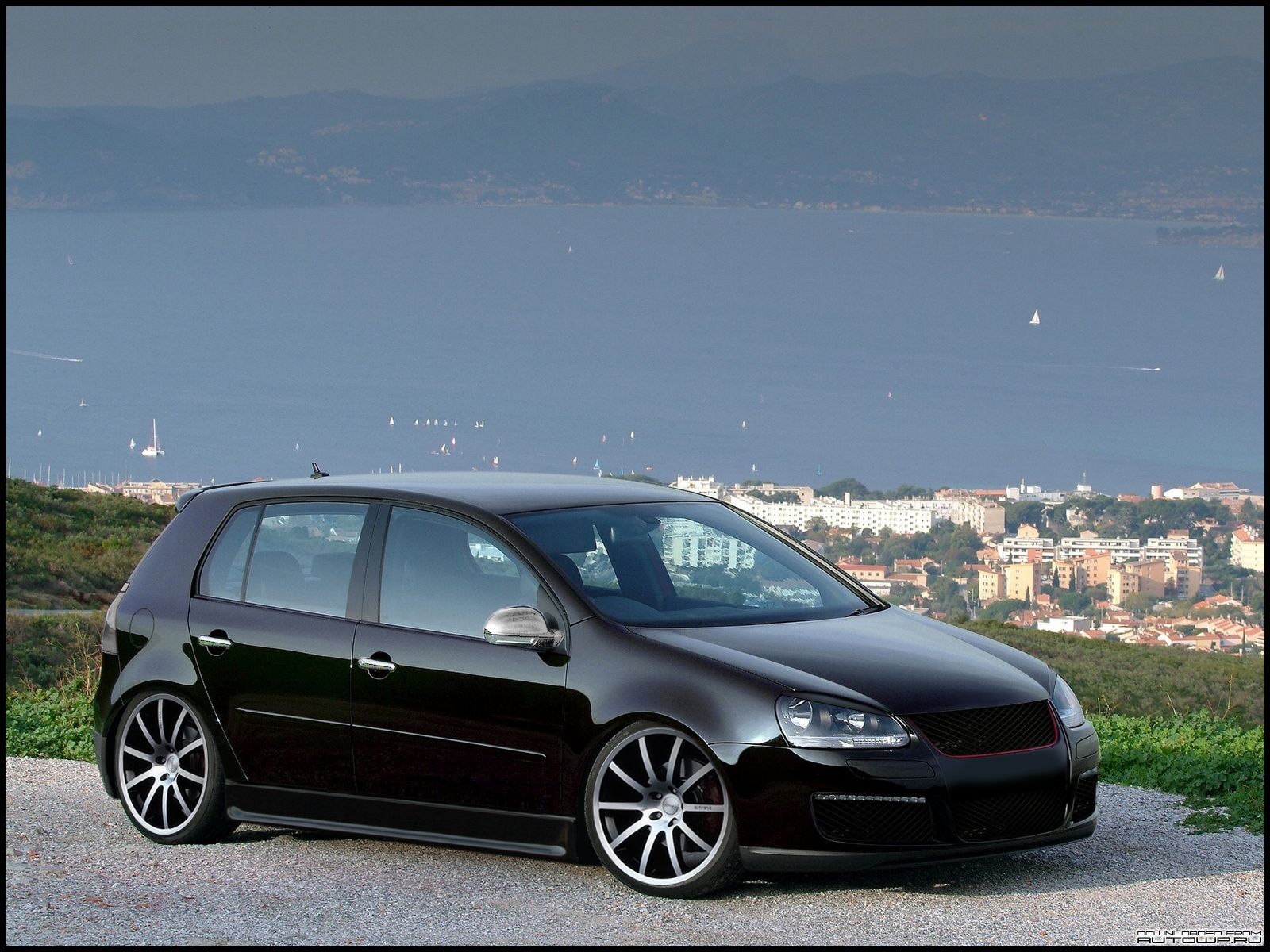 bilder von schwarzen golf 5 gti gesucht golf 4 forum. Black Bedroom Furniture Sets. Home Design Ideas