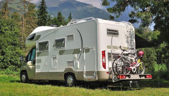 Tuning + Auto Zubehör - Wenn einer eine Camping-Reise tut, dann hat er viel zu transportieren.