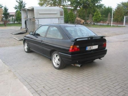 Name: Ford-Escort_RS20003.jpg Größe: 450x337 Dateigröße: 35648 Bytes