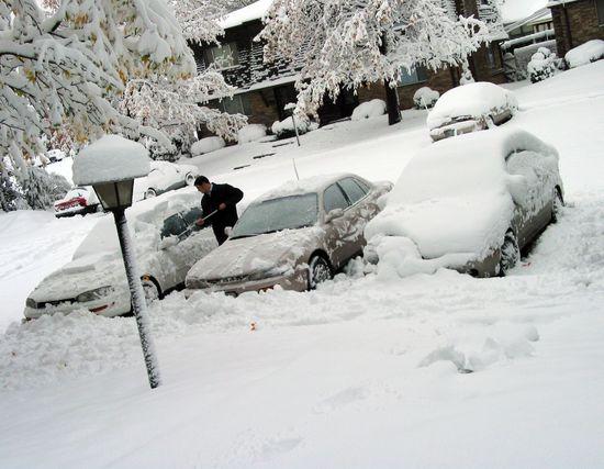 Name: Autos_im_Winter3.jpg Größe: 2028x1575 Dateigröße: 500841 Bytes