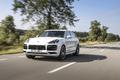 Luxus + Supersportwagen - Stärkster Porsche Cayenne kommt als Plug-in-Hybrid