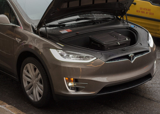 Name: Tesla-Model-Xa-114774.jpg Größe: 1024x731 Dateigröße: 189121 Bytes