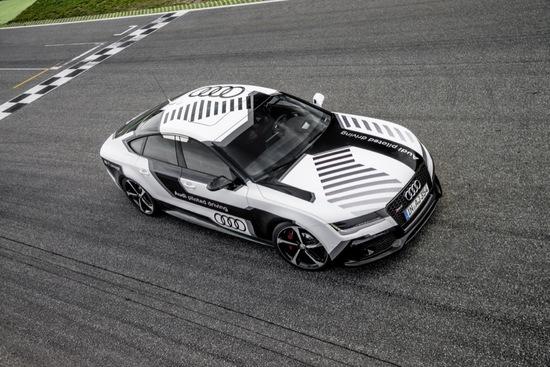 Auto - Beweis erbracht: Audi RS 7 concept fährt fahrerlos am Limit