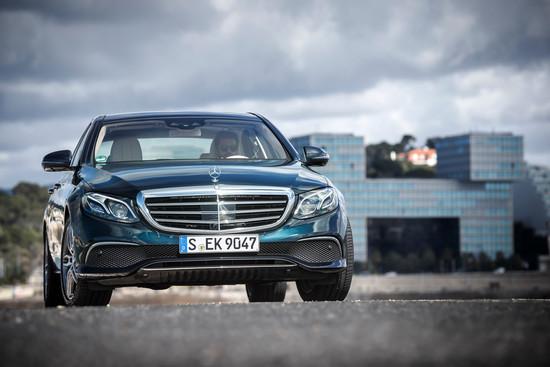 Name: Mercedes-Benz-E-220da-113973.jpg Größe: 1024x683 Dateigröße: 141262 Bytes