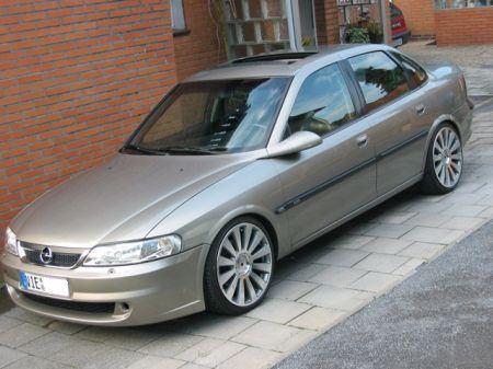 Auto Opel Vectra B 2.5 V6 - pagenstecher.de - Deine Automeile im Netz