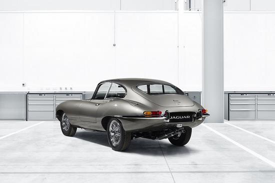 Name: Jaguar_Classic_enthuellt_auf_der_Techno_Classica_den_ersten_E-Type_Reborn_2.jpg Größe: 1024x683 Dateigröße: 62611 Bytes