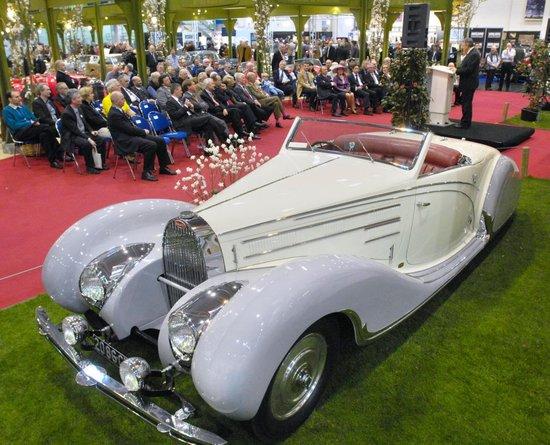 Name: TCE_Bugatti_57_C_Gangloff_1939_im_Sontchik_Stil.JPG Größe: 1024x828 Dateigröße: 248830 Bytes