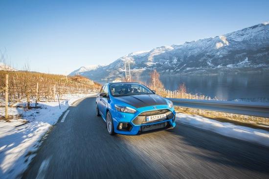 Name: norweger-faehrt-das-wohl-weltweit-erste-ford-focus-rs-taxi1.jpg Größe: 710x473 Dateigröße: 98631 Bytes
