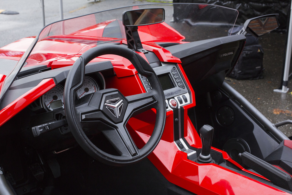polaris slingshot dreir drige zwille mit gm power deine automeile im netz. Black Bedroom Furniture Sets. Home Design Ideas