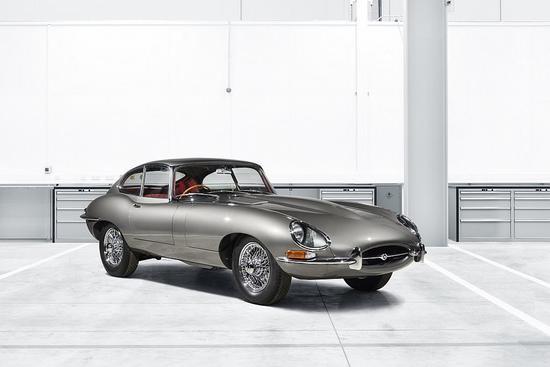 Name: Jaguar_Classic_enthuellt_auf_der_Techno_Classica_den_ersten_E-Type_Reborn_11.jpg Größe: 1024x683 Dateigröße: 64190 Bytes