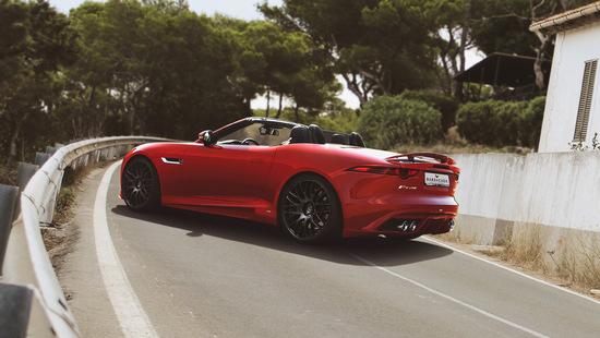 Name: Jaguar-Hinten.jpg Größe: 2800x1576 Dateigröße: 1036289 Bytes