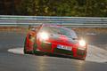 Luxus + Supersportwagen - Porsche erzielt neuen Rundenrekord auf der Nürburgring-Nordschleife