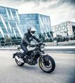 Motorrad - Vorstellung Husqvarna Vitpilen und Svartpilen: Stylisch zurück auf die Straße