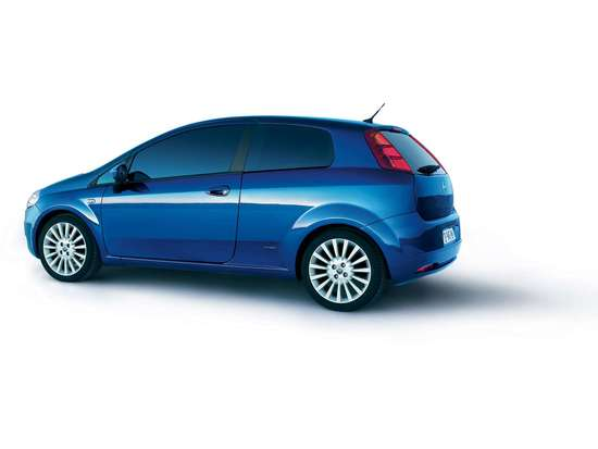 Name: Fiat-Grande_Punto_2005_1600x1200_wallpaper_28.jpg Größe: 1600x1200 Dateigröße: 64201 Bytes
