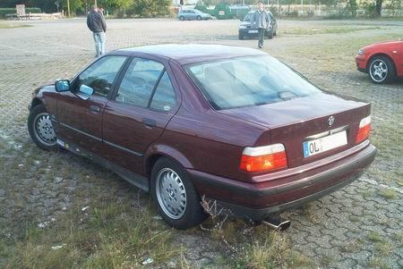 Name: BMW-328i_E36_Limo3.jpg Größe: 450x301 Dateigröße: 41695 Bytes