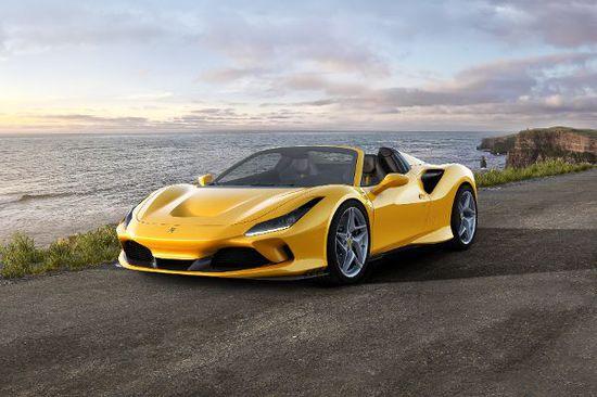 Luxus + Supersportwagen - Der Ferrari F8 Spider: Neues Cabrio mit Mittelmotor