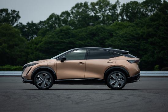 Name: Nissan_Ariya_exterior_side_1-1200x800.jpg Größe: 1200x800 Dateigröße: 574653 Bytes