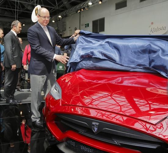 Luxus + Supersportwagen - Fürst Albert II. von Monaco enthüllt LARTE Tesla Model S Elizabeta