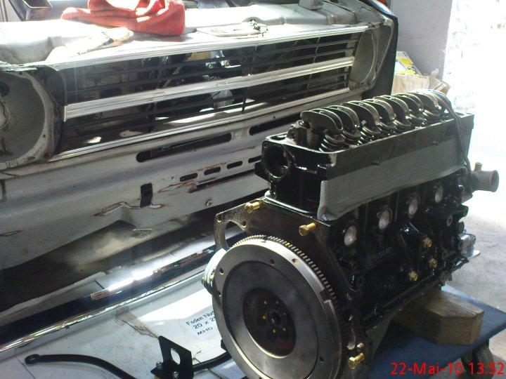 kadett motor von unten einbauen