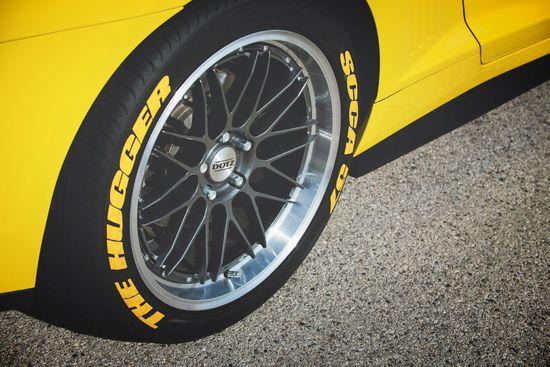 Name: DOTZ_Revvo_dark_Chevrolet_Camaro_press_10.jpg Größe: 1920x1282 Dateigröße: 444218 Bytes