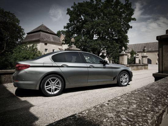 Name: DEZENT_TZ_c_BMW_1_Imagepic_02_press.jpg Größe: 2598x1949 Dateigröße: 1262812 Bytes