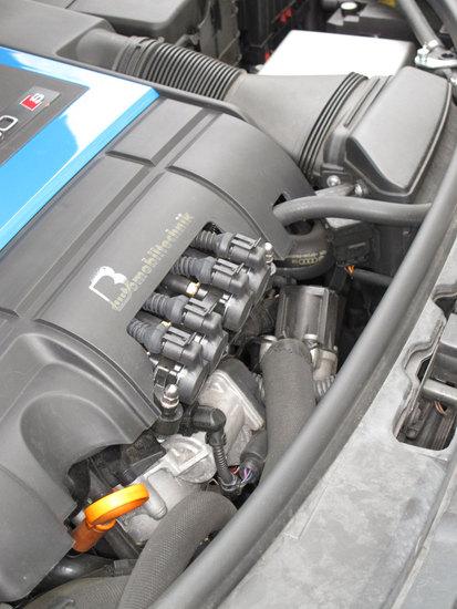 Name: Gasduesen-Audi-S3-2-gr.jpg Größe: 1200x1600 Dateigröße: 274445 Bytes