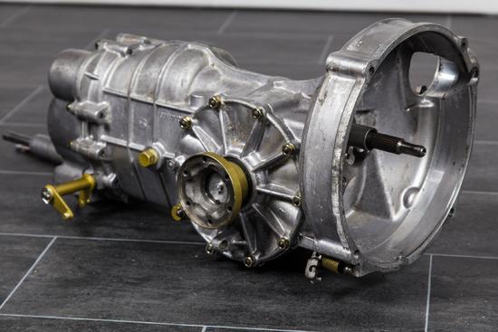 Name: 1965_Porsche_911_Getriebe_2.jpg Größe: 2500x1667 Dateigröße: 2453523 Bytes
