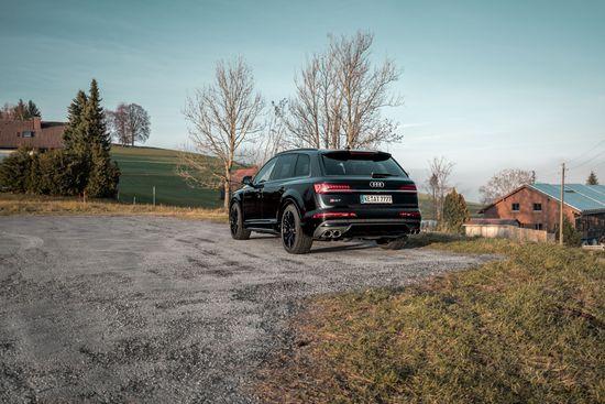 Name: Audi_SQ7_Facelift_GR22_schwarz-6.jpg Größe: 1920x1281 Dateigröße: 528745 Bytes