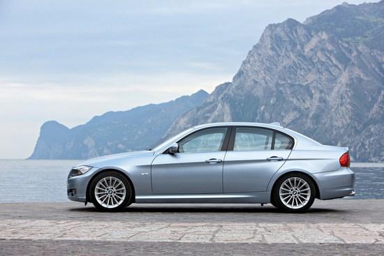 Name: BMW-3er-Limousine-E90-LCI-03.JPG Größe: 1600x1067 Dateigröße: 293851 Bytes