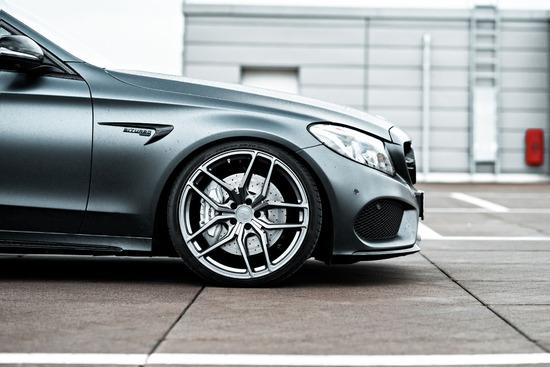 Name: Mercedes-C43-Sedan-ZP21-GLM-03.jpg Größe: 1200x800 Dateigröße: 195568 Bytes