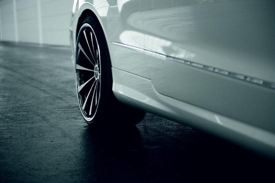Luxus + Supersportwagen - Mercedes W207 Cabrio mit ARROWS-Alufelgen, Gewindefahrwerk & Piecha-Styling
