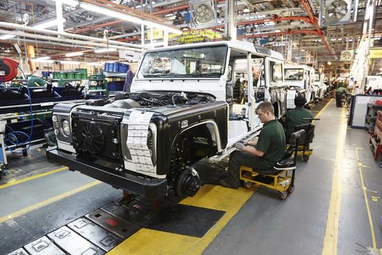 Name: Produktion-des-Land-Rover-Defender-in-Solihulla-110304.jpg Größe: 1024x683 Dateigröße: 291440 Bytes