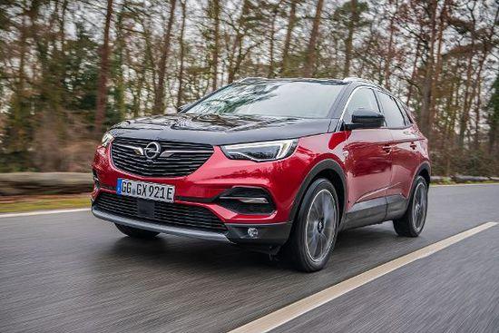 Elektro + Hybrid Antrieb - Opel setzt den Grandland X als Hybrid 4 unter Strom