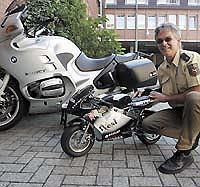 polizei stellt wieder einen pocket bike fahrer seite 1. Black Bedroom Furniture Sets. Home Design Ideas