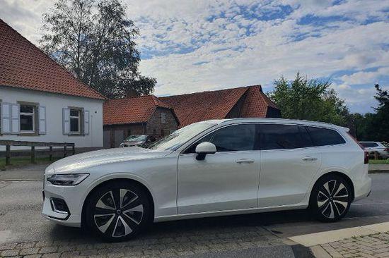 Elektro + Hybrid Antrieb - Musterschüler in der Mittelklasse: Der Volvo V60 B5