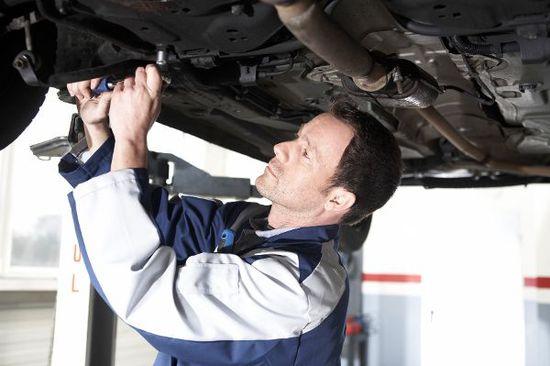 Recht + Verkehr + Versicherung - Werkstattkosten: So sparen Sie richtig