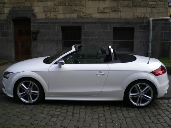 Name: Audi_2008_003.jpg Größe: 800x600 Dateigröße: 84710 Bytes